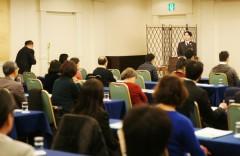 参加者から質問をうける大和院長